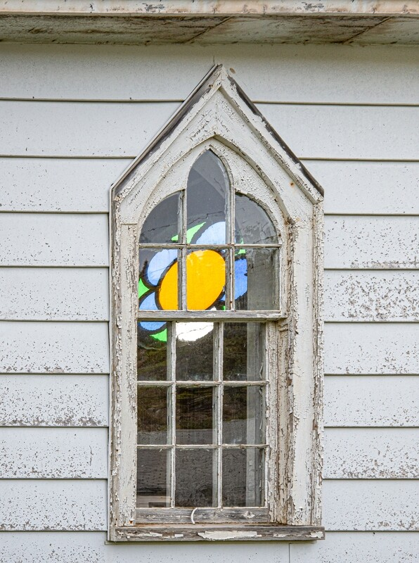 Stained glass window (Hillgrade)