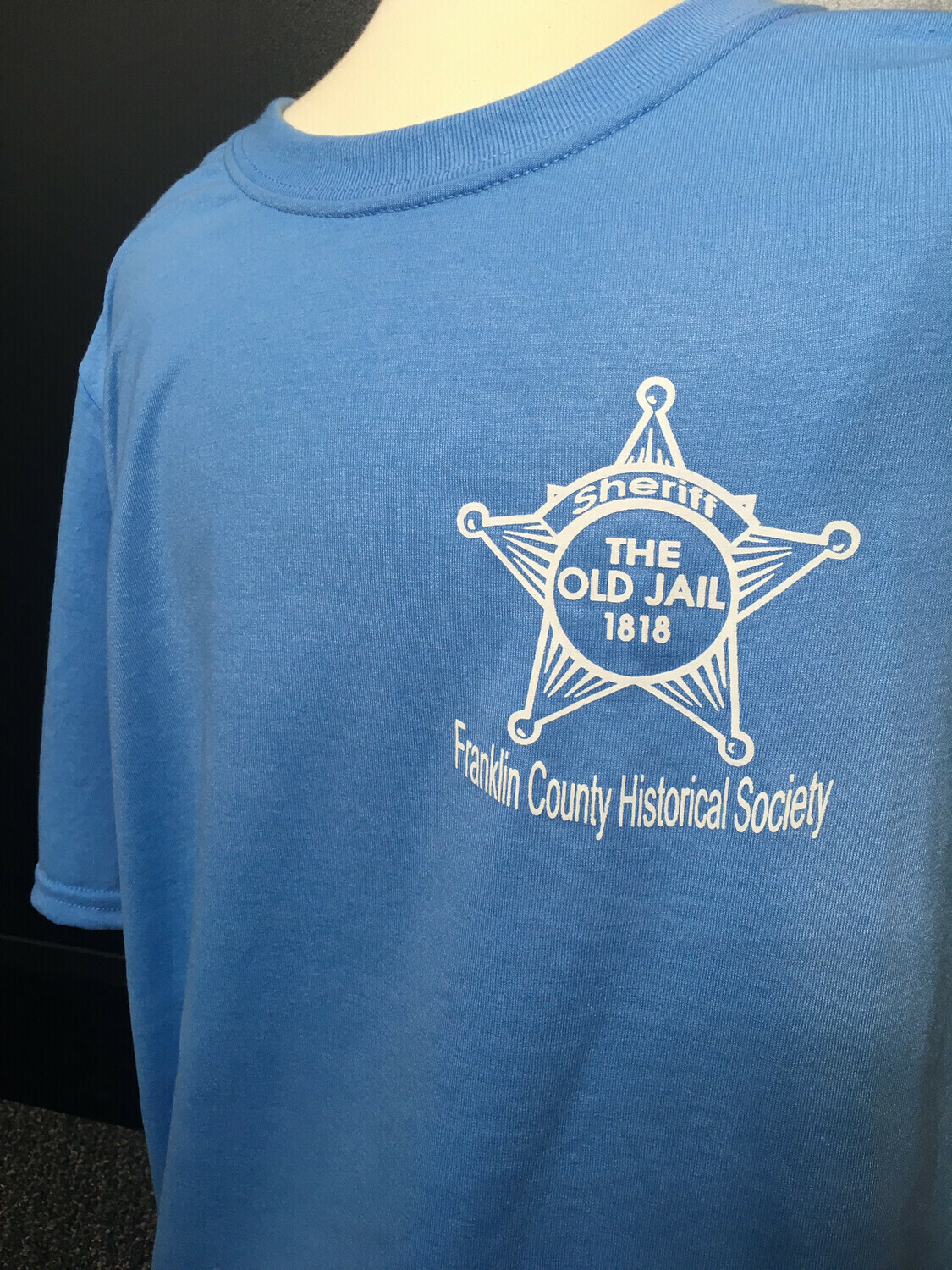 """Tee Shirt """"The Old Jail 1818"""" Blue (L)"""