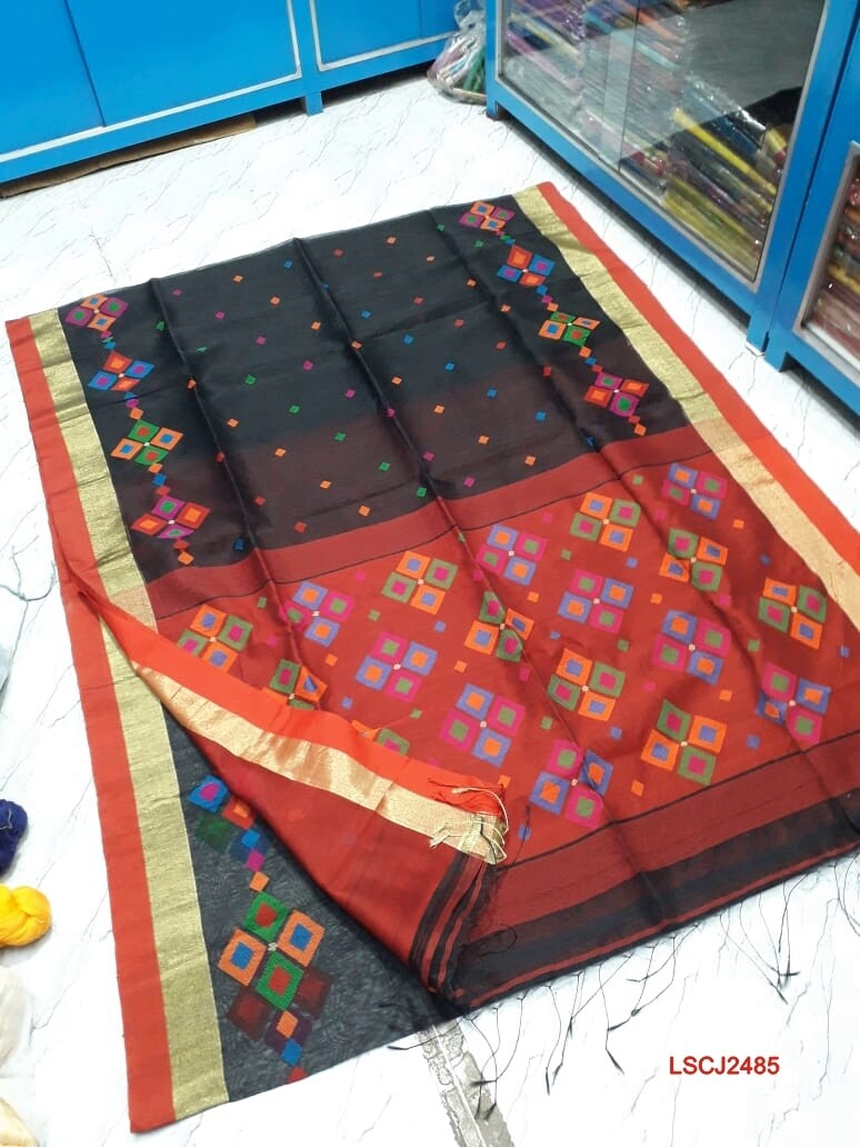 ​Chatai Jamdani saree with hand woven design