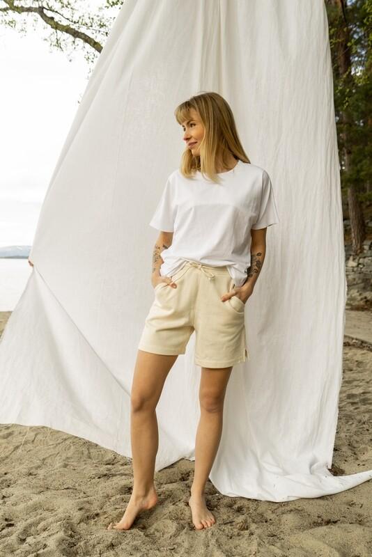 Basic Shorts Ecru