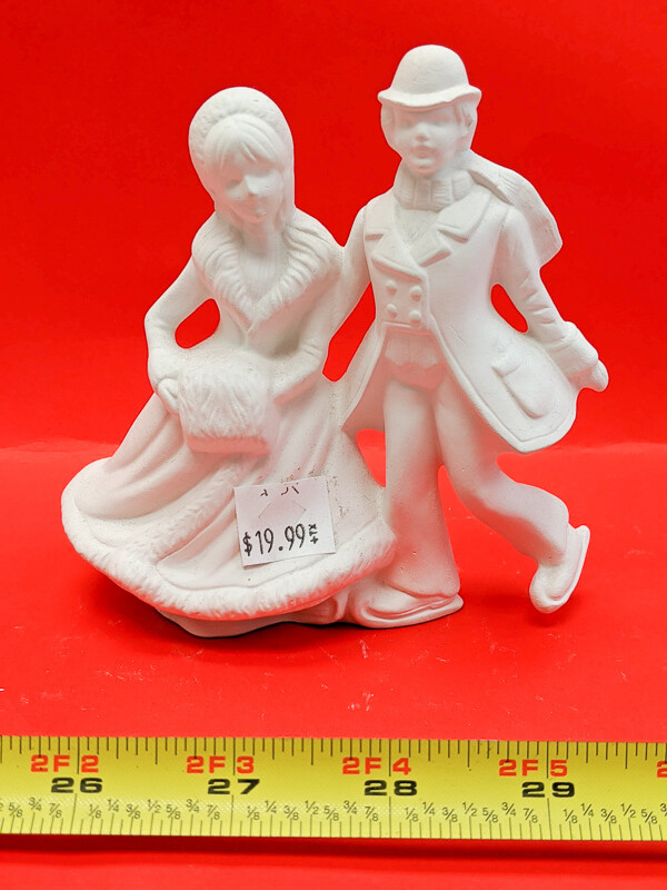 Couple in winter figurine to paint. Paint your own DIY plaster figurine Art Craft activity