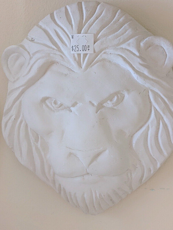 Lion Plaque Figurine to paint. Paint your own DIY plaster figurine Art Craft activity.