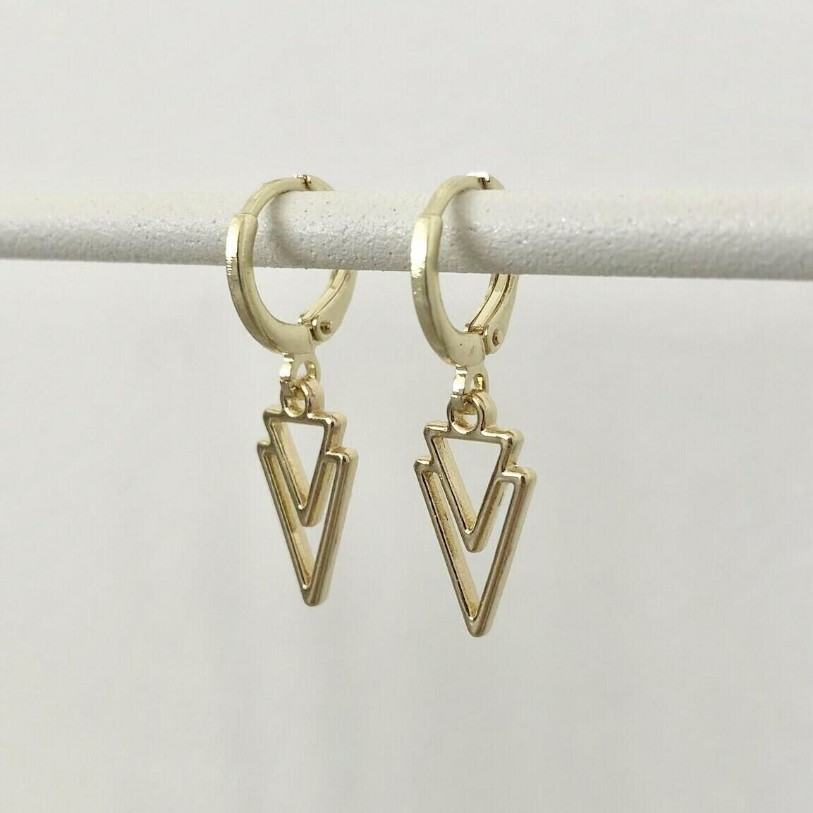 Driehoek oorbellen goud