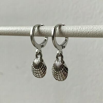 Seashell oorbellen zilver