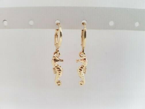 Mini seahorse oorbellen goud