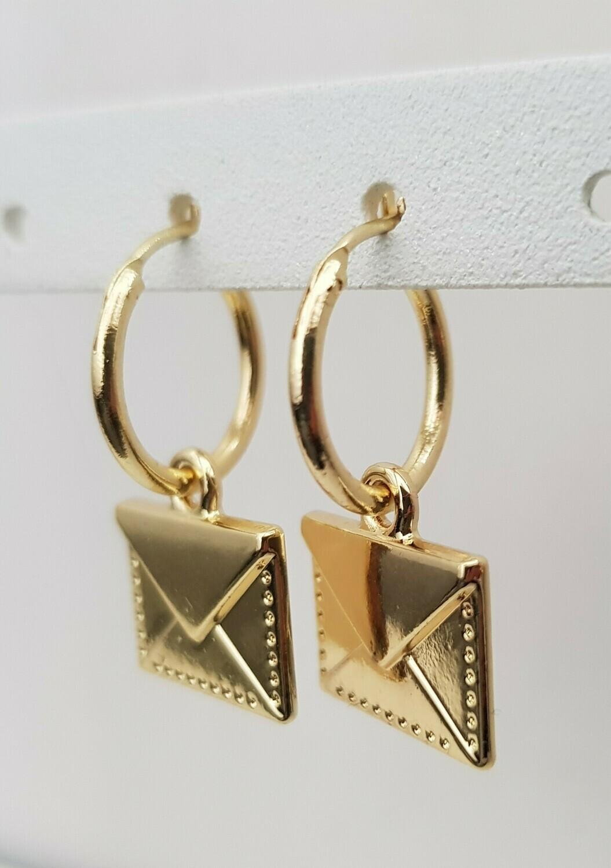 Envelop oorbellen goud