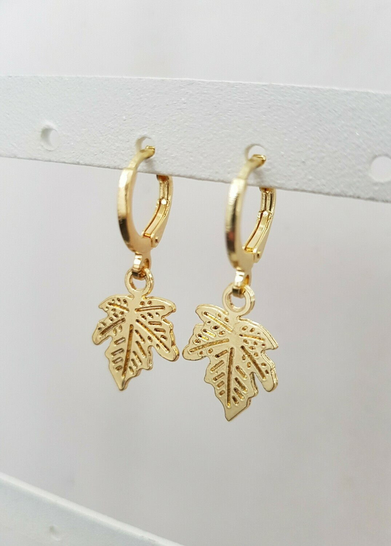 Leaf oorbellen goud