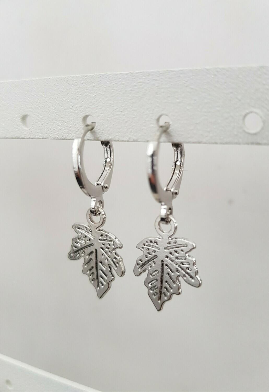 Leaf oorbellen zilver