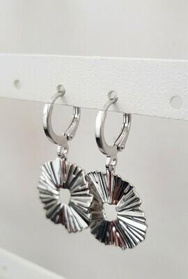 Wave oorbellen zilver