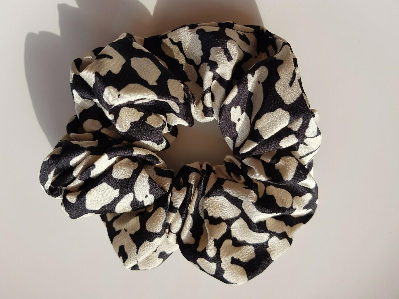 Printed scrunchie