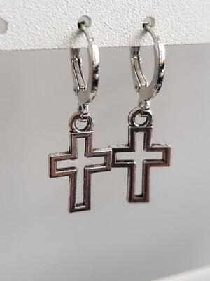 Cross in cross oorbellen zilver