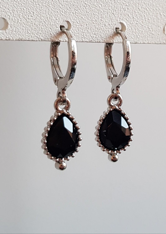 Druppel oorbellen zwarte steen zilver