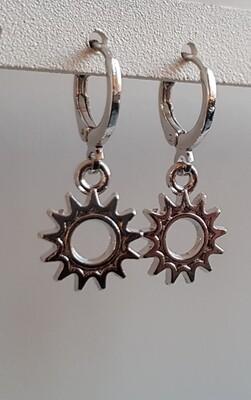 Mini open sun oorbellen zilver