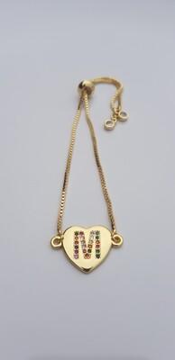 Hartjes armband met letter goud