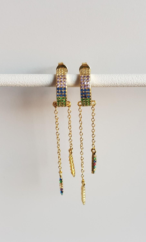 Gekleurde steentjes hangertjes oorbellen goud