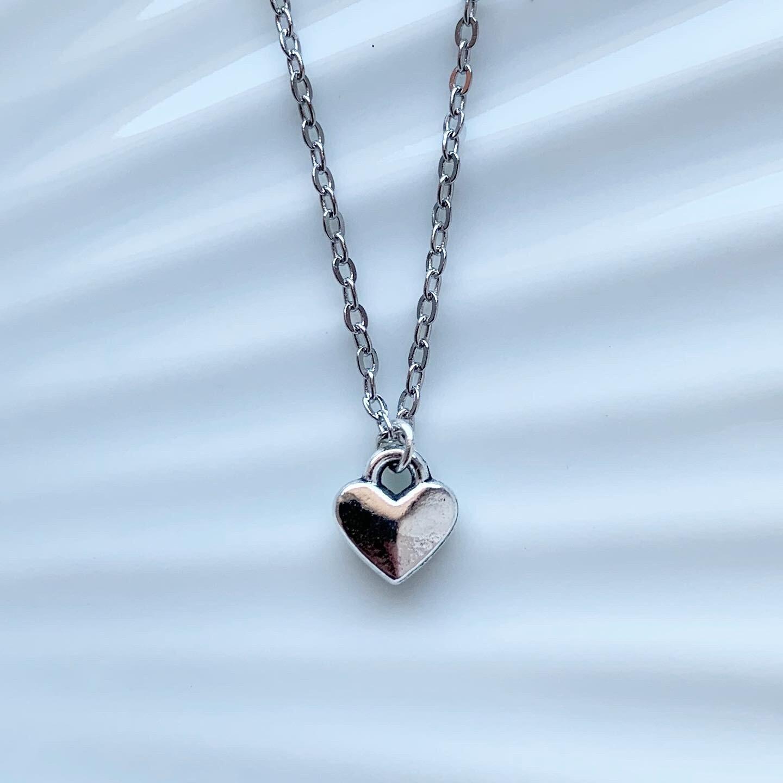 Tiny heart ketting zilver