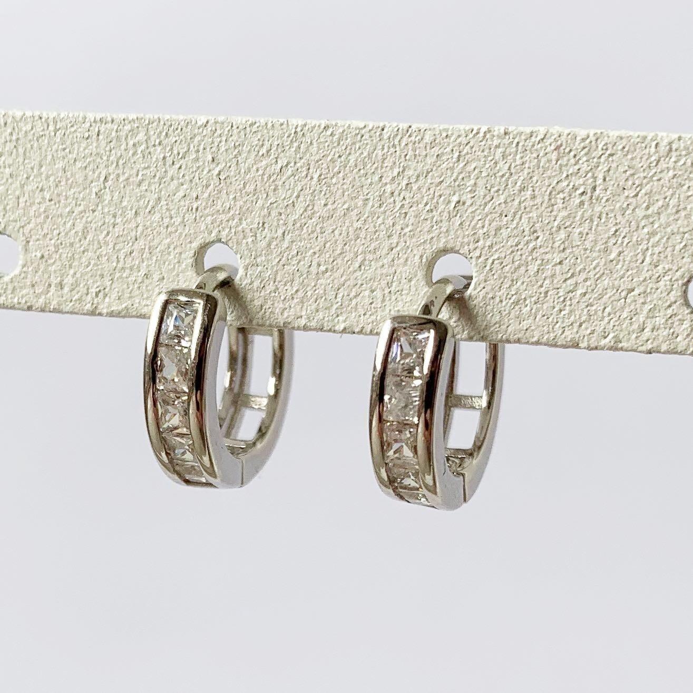 Shiny oorringetjes met strass steentjes 925 sterling zilver