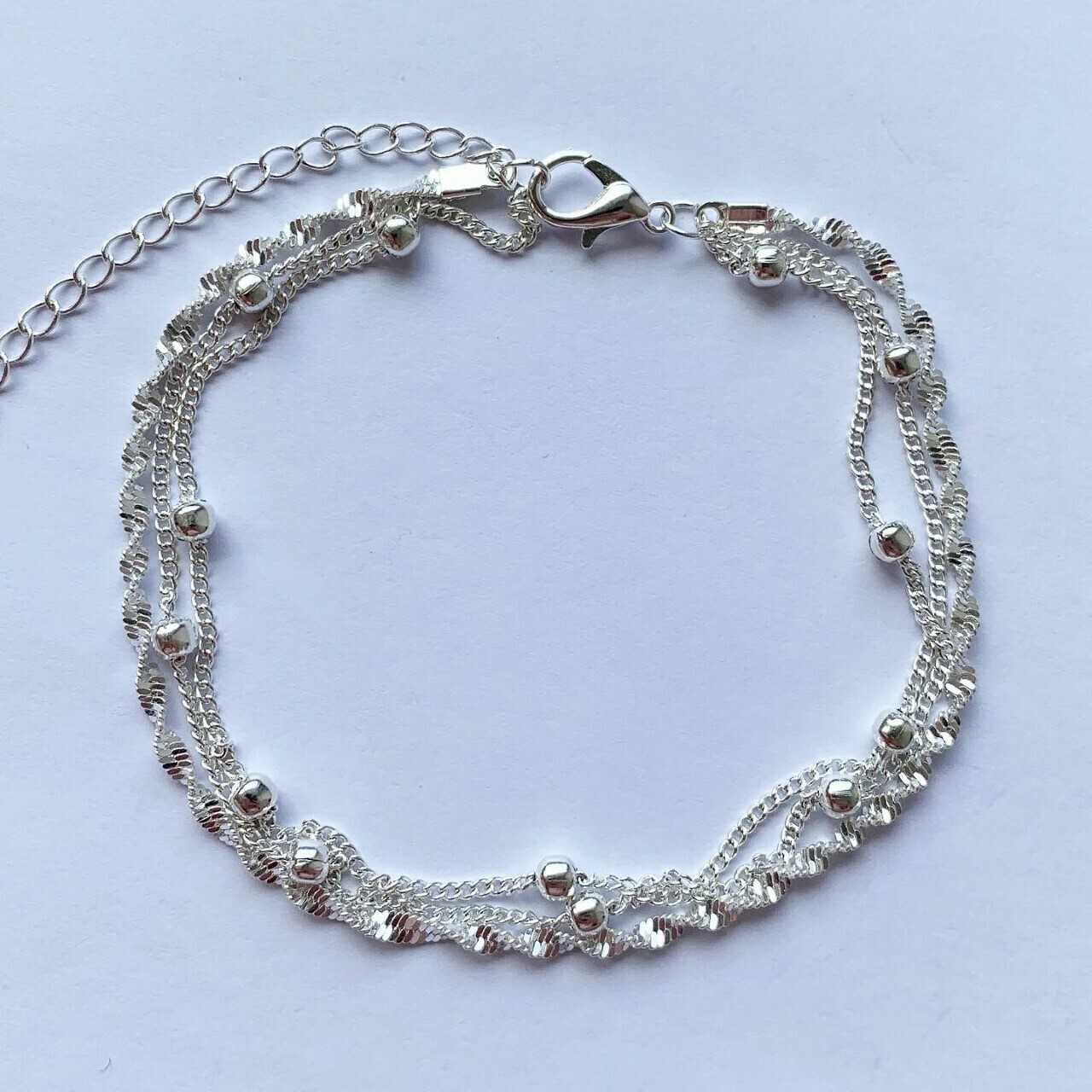 Enkelbandje met tiny beads en gedraaid 925 sterling zilver