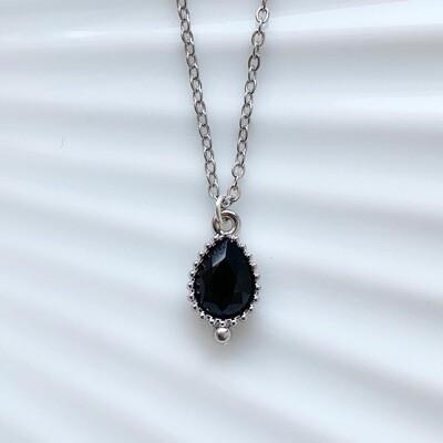 Druppel ketting zwarte steen zilver