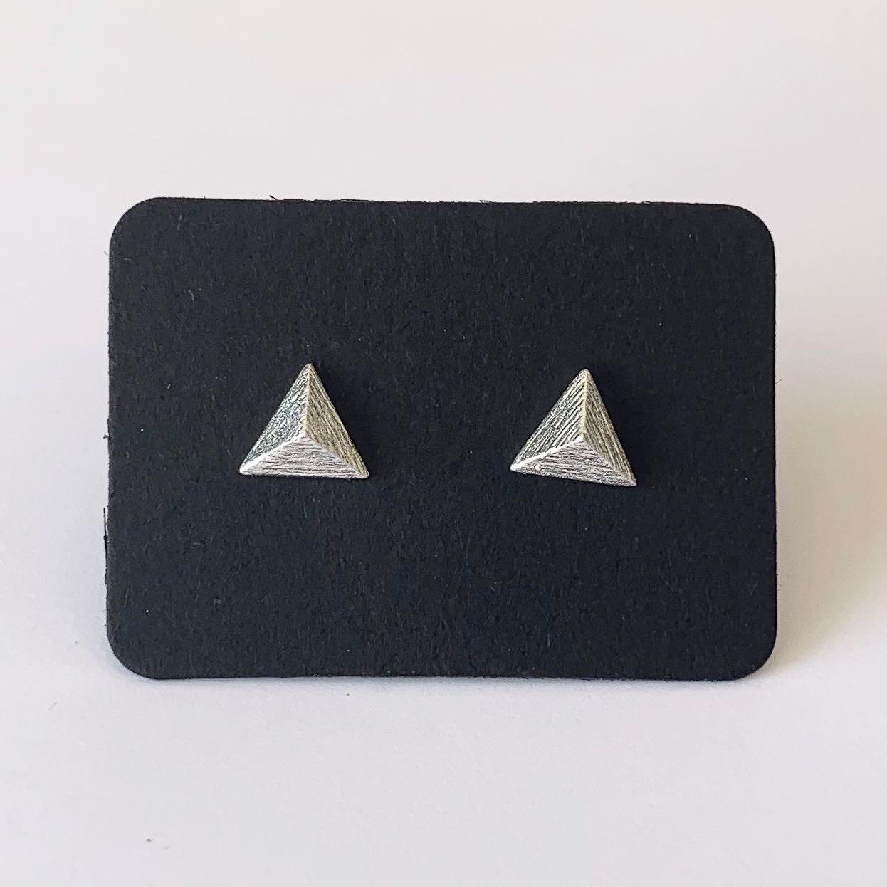 Driehoek knopjes 925 sterling zilver