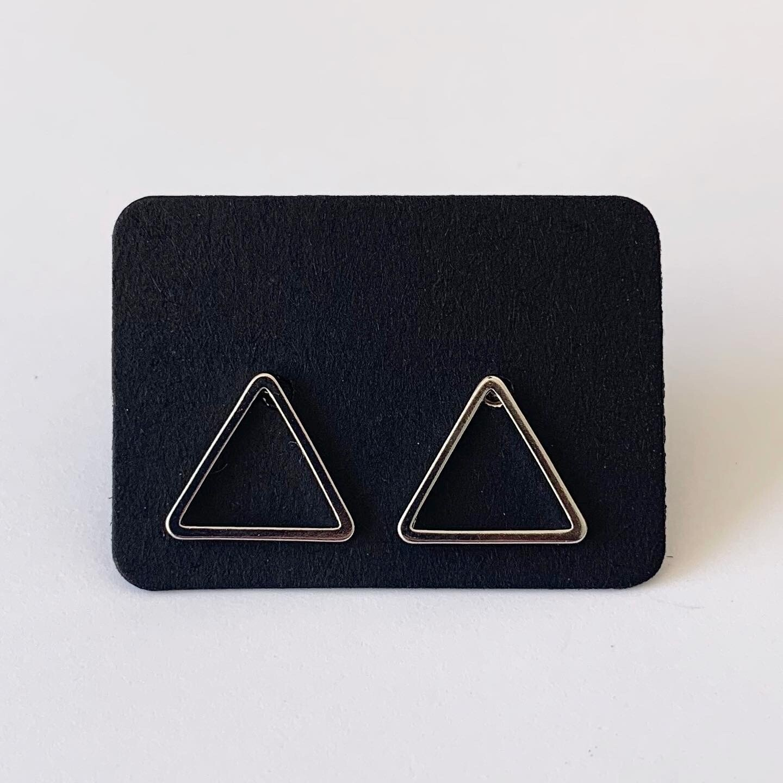 Minimalistische driehoek knopjes 925 sterling zilver