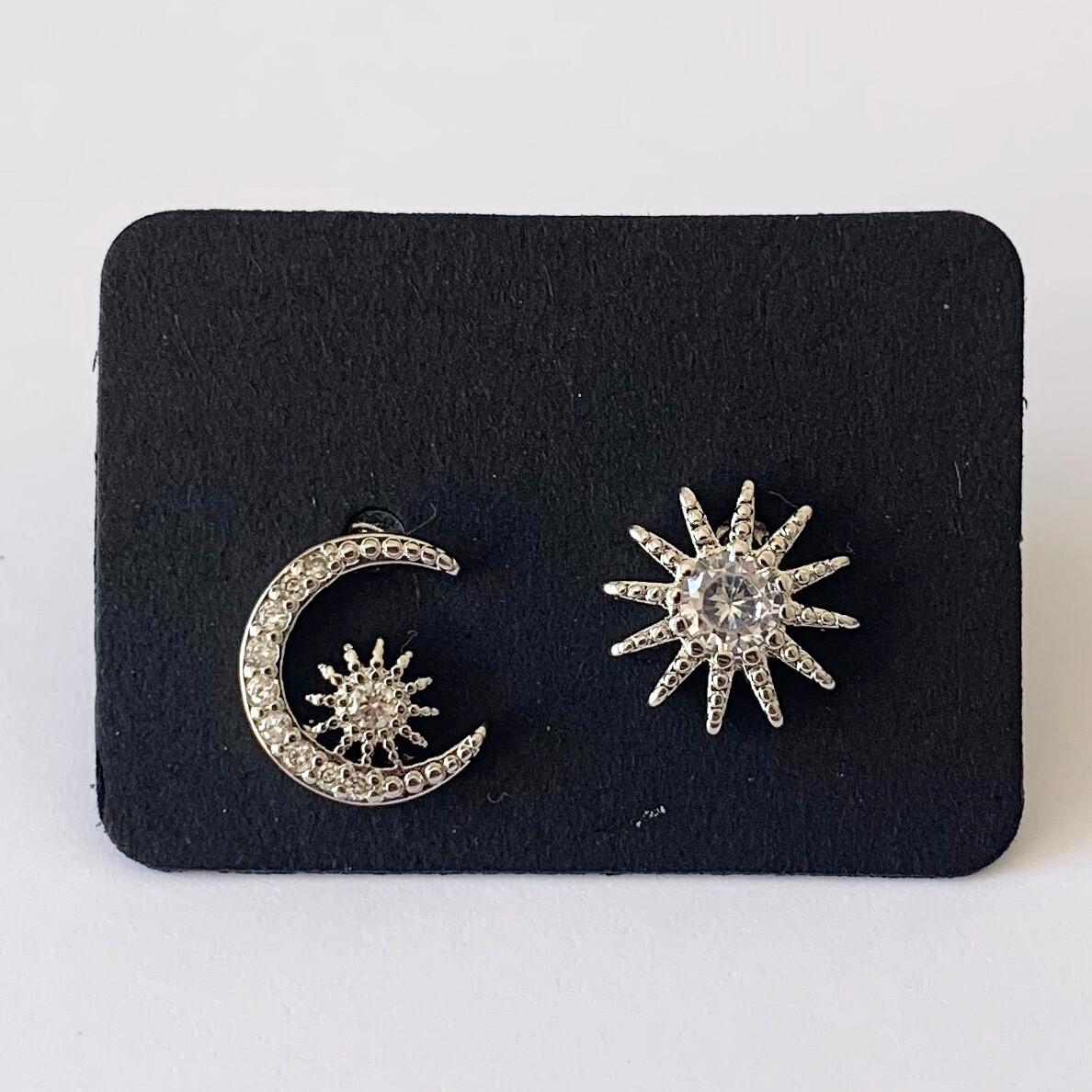 Ster en maan knopjes met strass steentjes 925 sterling zilver