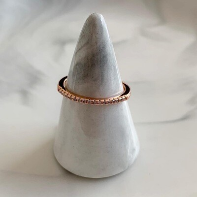 Subtiele ring met strass steentjes rosé goud