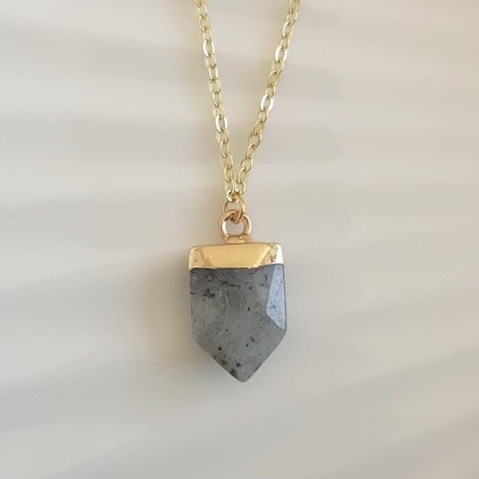 Natuursteen ketting grijs/goud