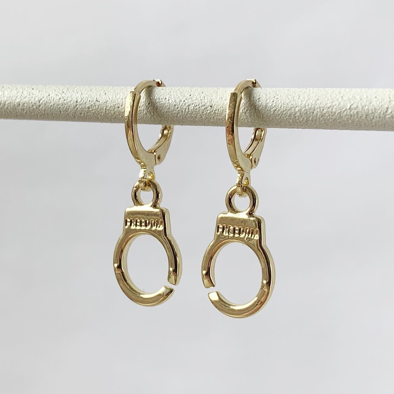 Handboeien (Freedom) oorbellen goud