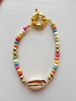 Gekleurde kraaltjes armband met schelp goud
