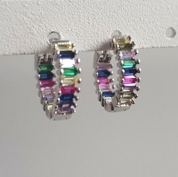 Regenboog oorbellen zilver 15 mm