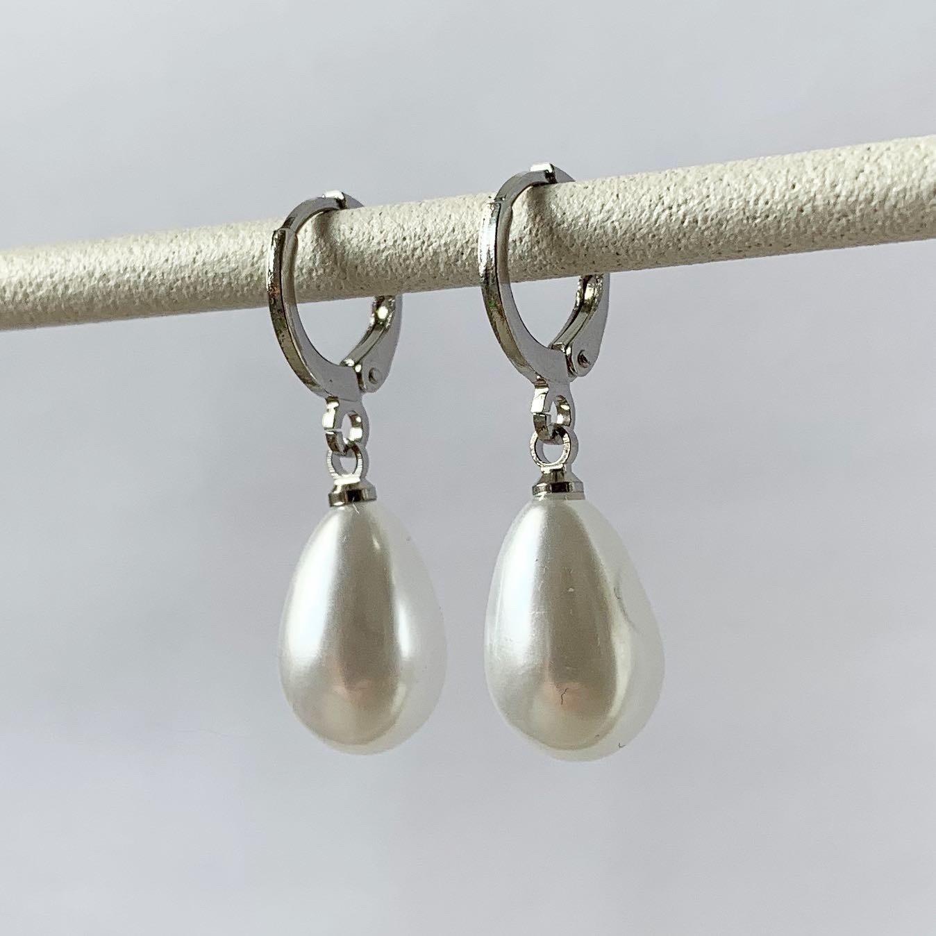 Parelmoer oorbellen zilver