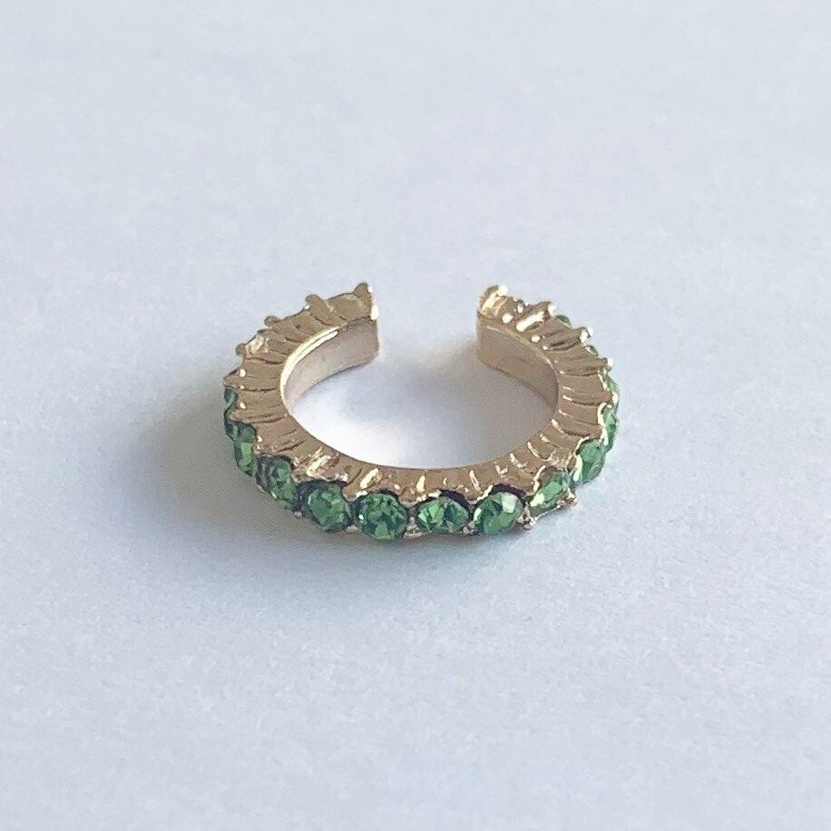 Earcuff met strass steentjes groen/goud per stuk
