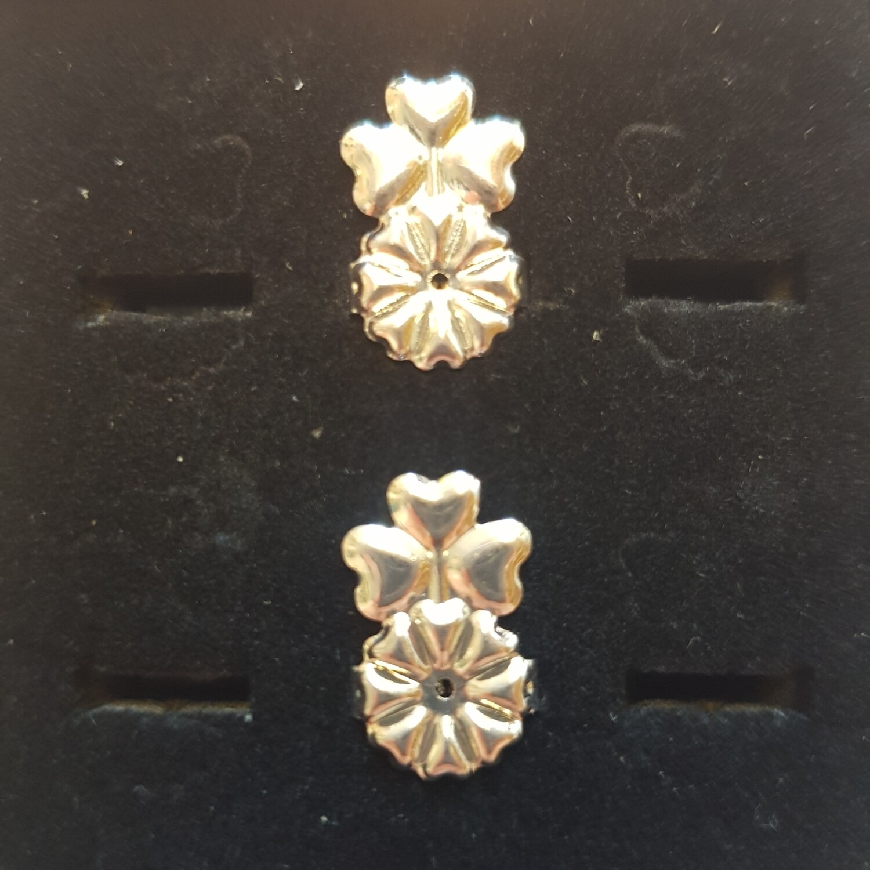 Oorbellifter 3 hartjes zilver