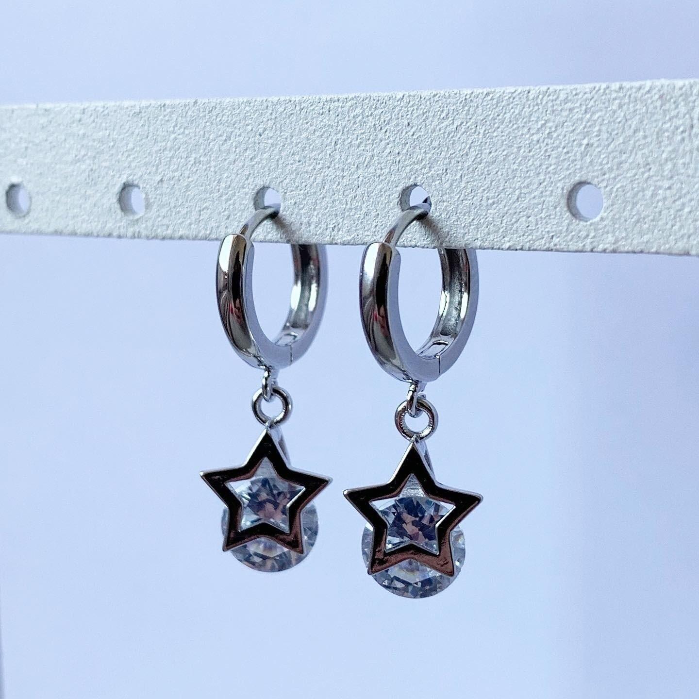 Sterretjes met diamantjes oorringetjes 925 sterling zilver