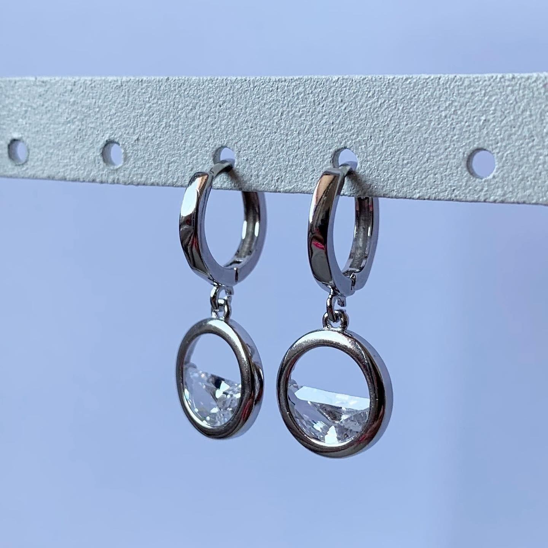 Ronde half open met diamantje oorringetjes 925 sterling zilver