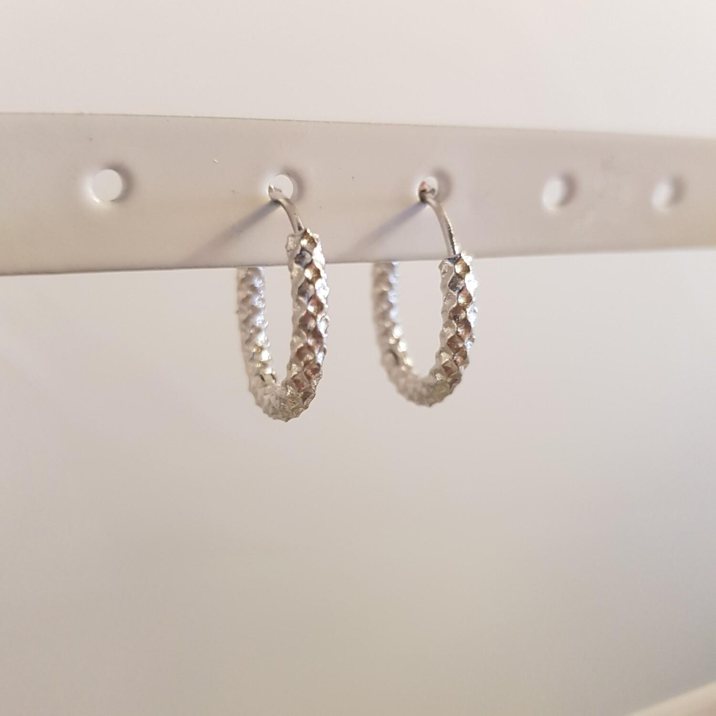 Geribbelde oorringetjes 925 sterling zilver 18 mm