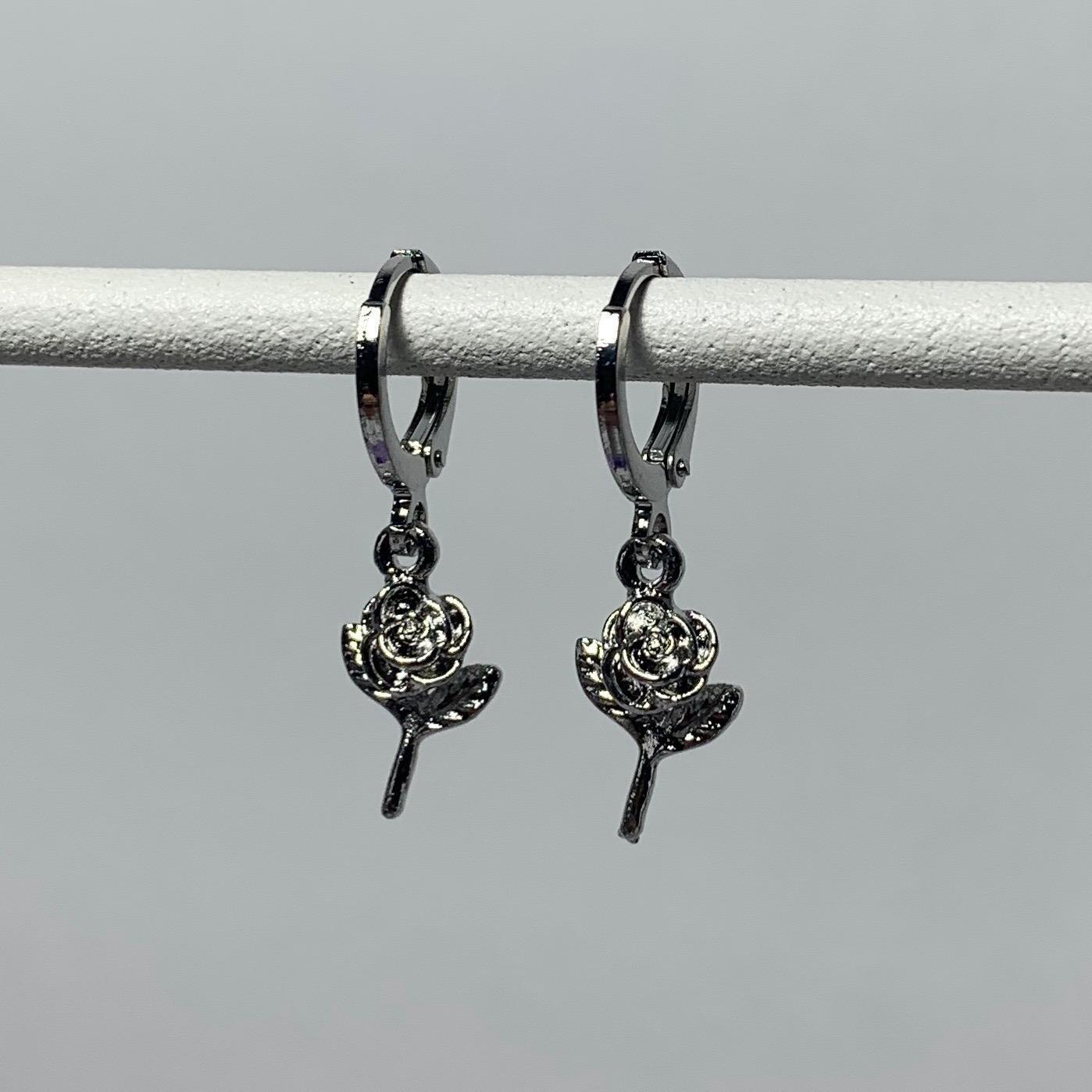 Tiny roosjes oorbellen zilver