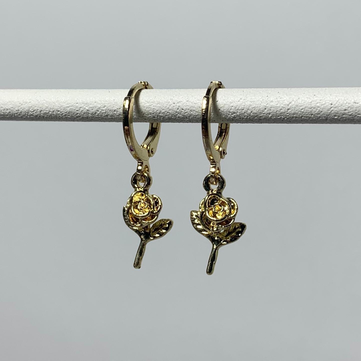 Tiny roosjes oorbellen goud