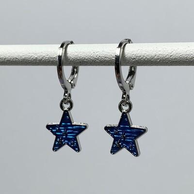 Blauwe sterren oorbellen kleur: zilver