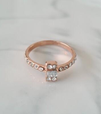 Rechthoekje diamantjes ring kleur: rose goud
