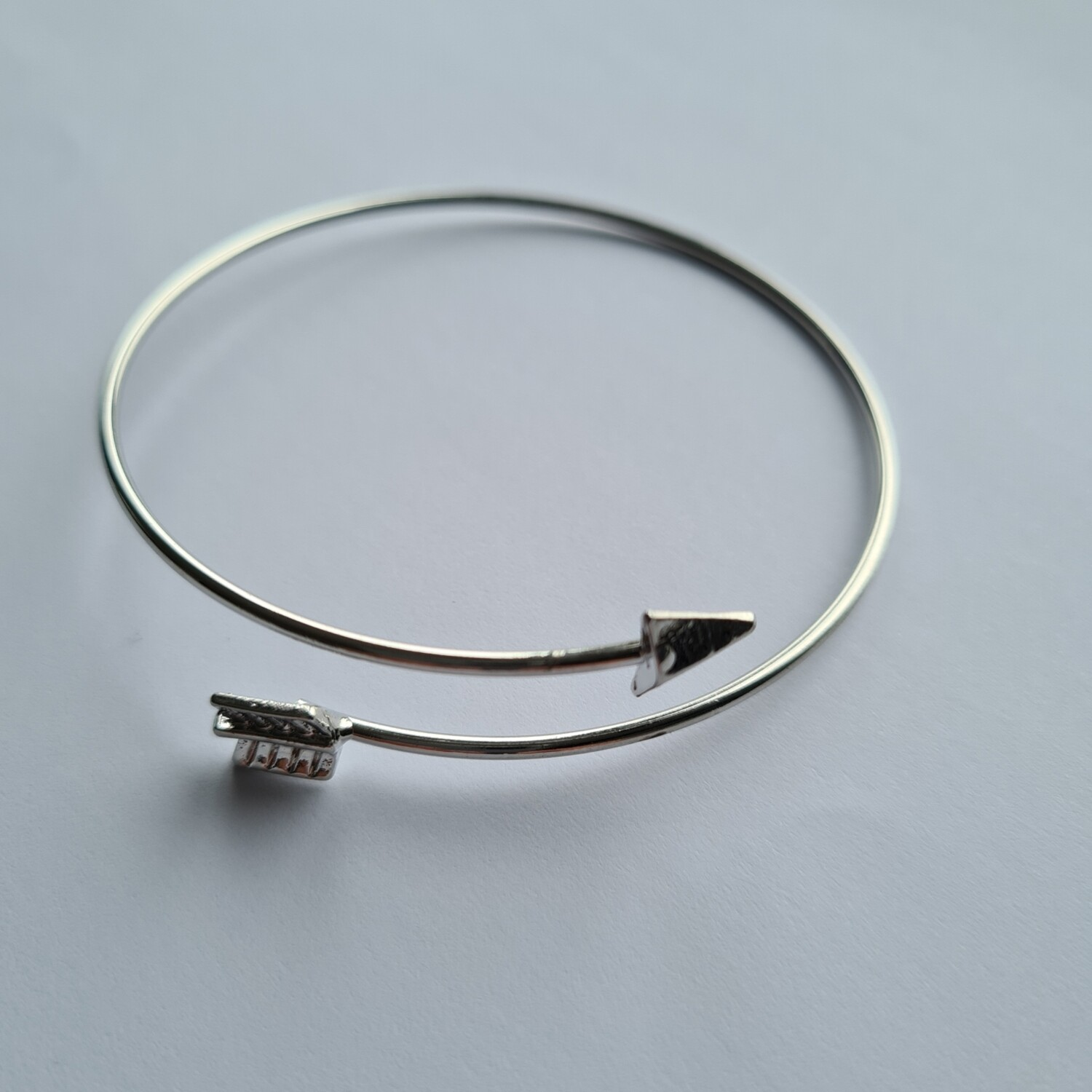 Arrow armband zilver