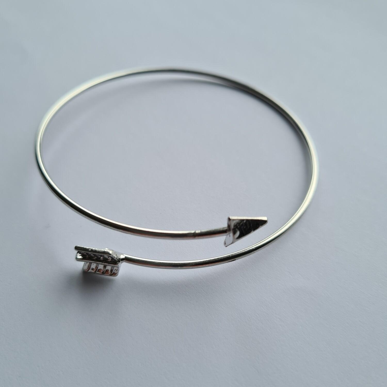 Arrow armband kleur: zilver