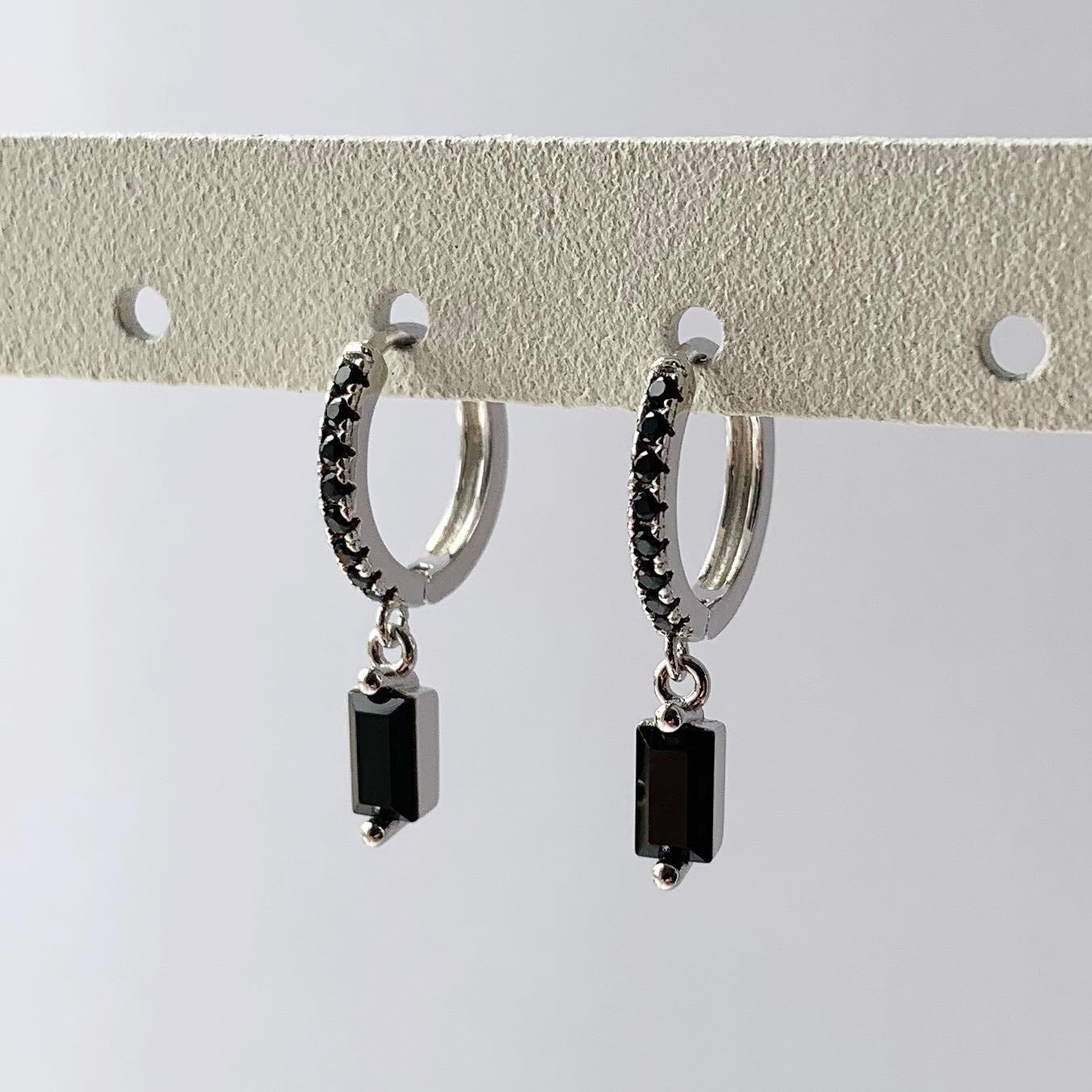 Zwarte staafjes oorringetjes 925 sterling zilver