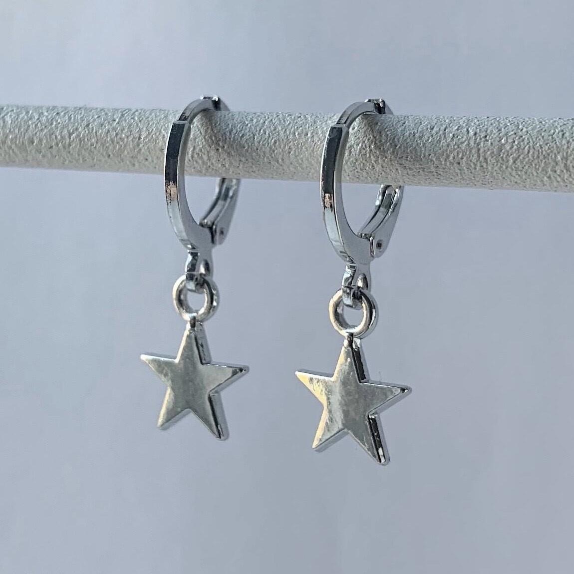 Smooth star oorbellen zilver