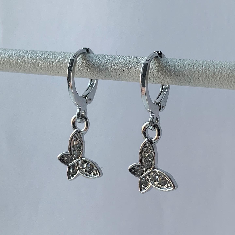 Shiny butterfly oorbellen zilver