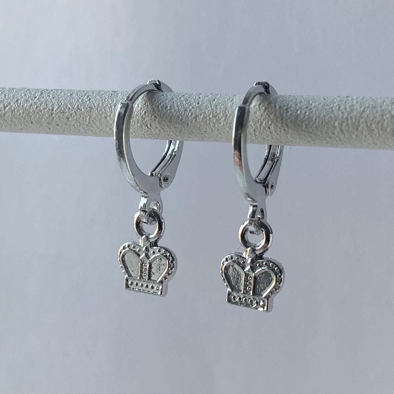 Tiny crown oorbellen zilver