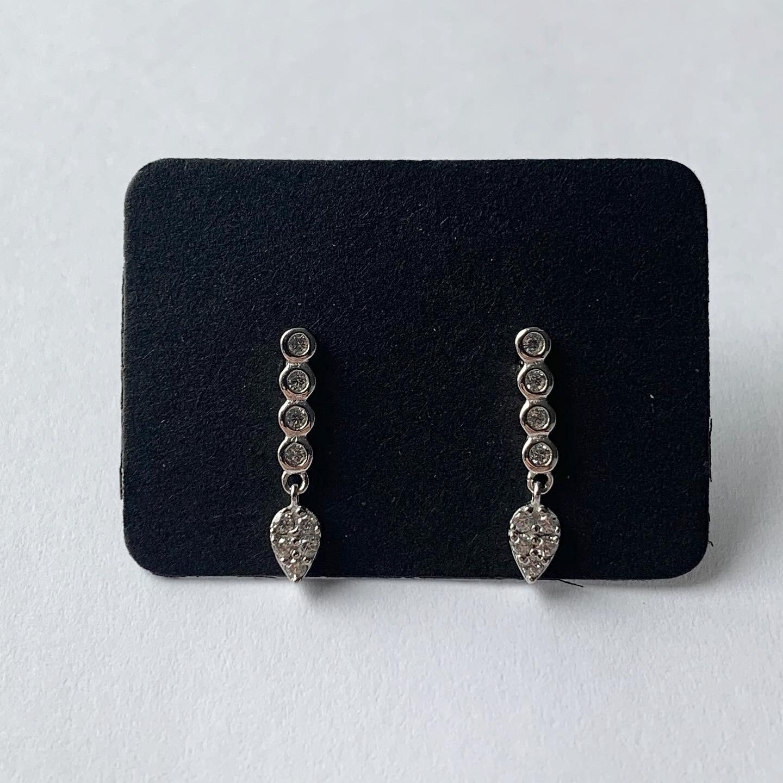 Staafjes knopjes met hangertje en steentjes 925 sterling zilver