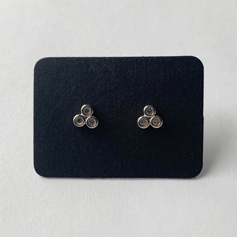 Honeycomb knopjes met strass steentjes 925 sterling zilver