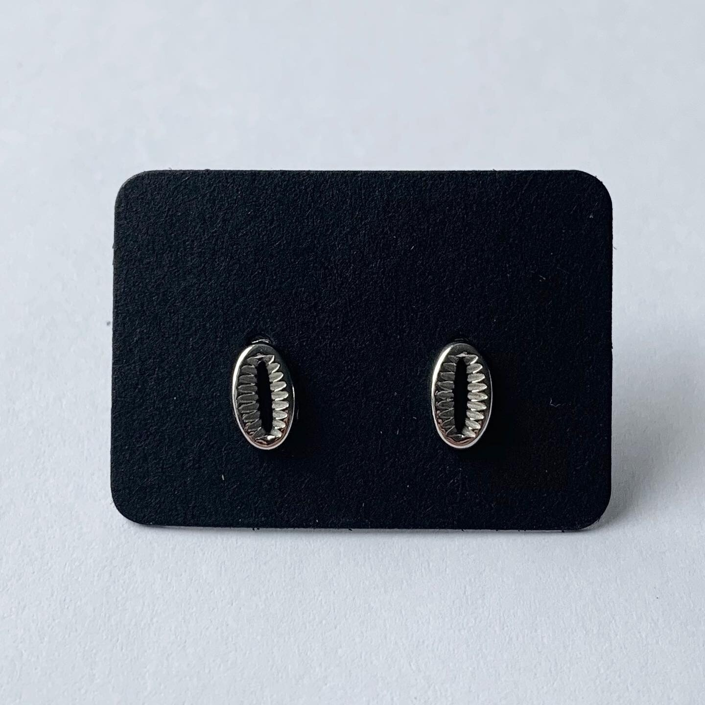Shell knopjes 925 sterling zilver
